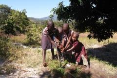 EvelynGombakomba_community_130513-30