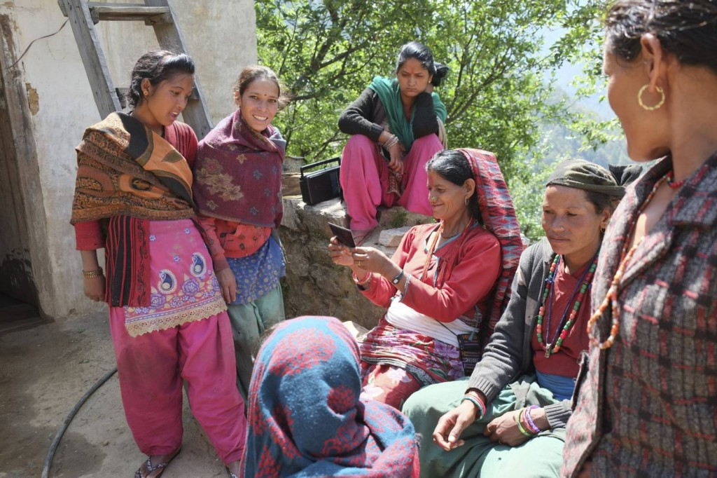 Chilkhaya-kalikot-Women-group-with-intax-photo